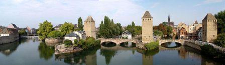 765px-strasbourg_-_ponts_couverts_vus_de_la_terrasse_panoramiquesmaller.jpg